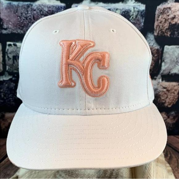buy popular 59295 a6665 Kansas City KC Royals White Baseball Hat 7 3 4. M 5ca7a8c0c953d87119935d1c